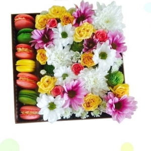 Цветы и макаруны №2