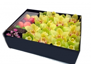 Цветы и макаруны №5