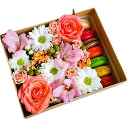 Цветы и макаруны №3