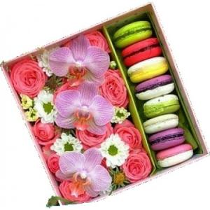 Цветы и макаруны №1